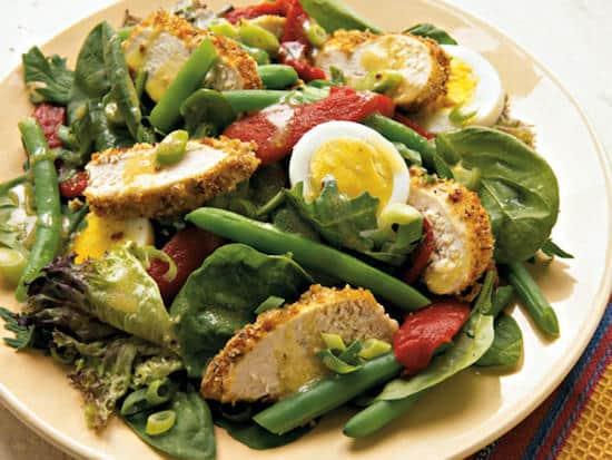 Quelle est la recette de la salade poulet et légumes à la provençale à moins de 400 calories ?