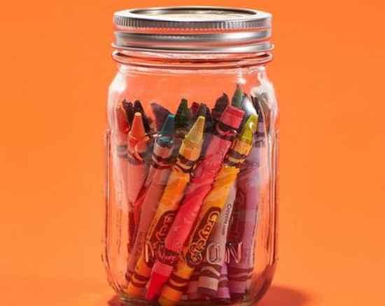 bocal en verre pour mettre crayon des enfants
