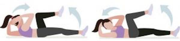 Entraînement abdo en 6 min : pour avoir le ventre plat et les abdos musclés, faites l'exercice du crunch bicyclette.