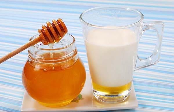 lait et miel pour lisser les cheveux
