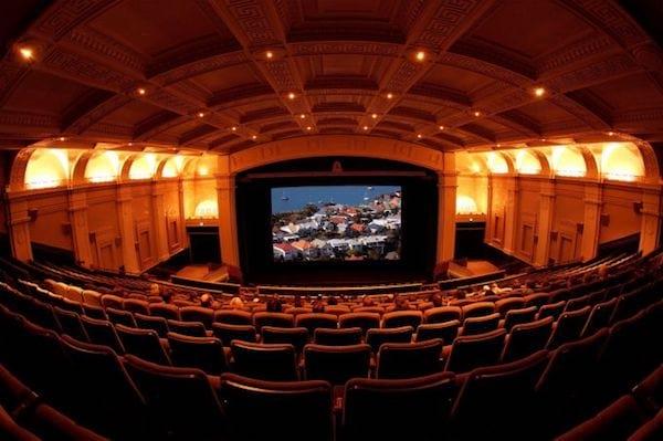 Avantages le carte étudiant : musées, théâtres et cinémas