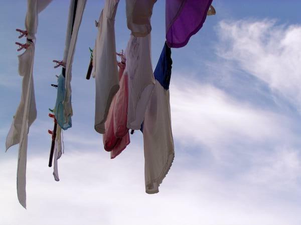 les sachets de silices absorbent les mauvaises odeurs des vêtements