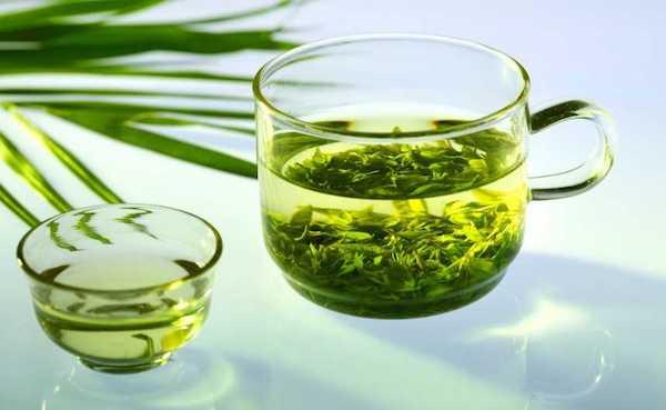 Remède de grand-mère : thé vert contre la toux