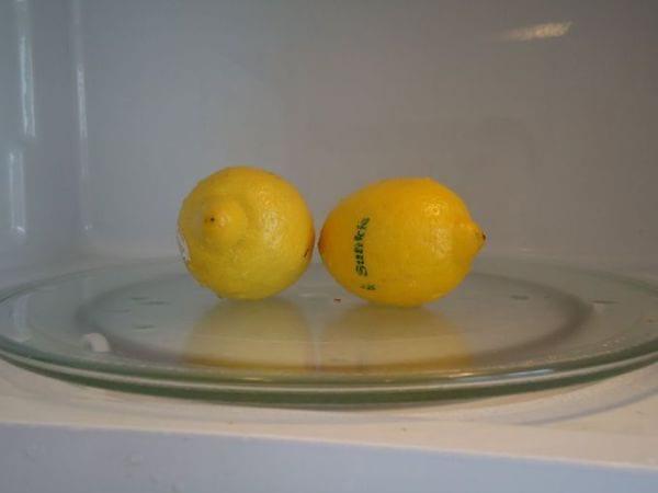 Micro-ondes pour sortir plus de jus d'un citron pressé