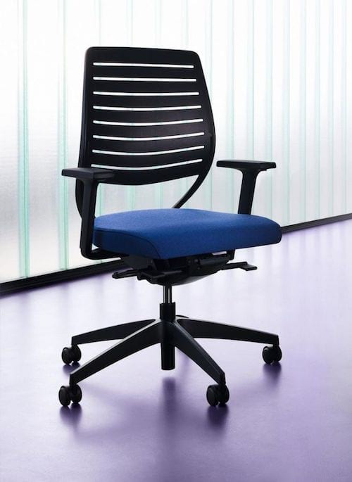 4 conseils astucieux pour rendre mon poste de travail plus confortable. Black Bedroom Furniture Sets. Home Design Ideas