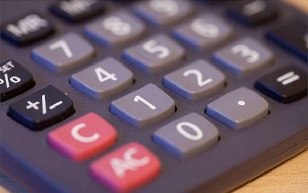 faire ses courses avec une calculatrice pour conomiser de l 39 argent. Black Bedroom Furniture Sets. Home Design Ideas