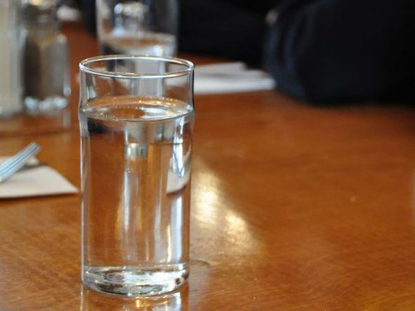Je bois de l'eau