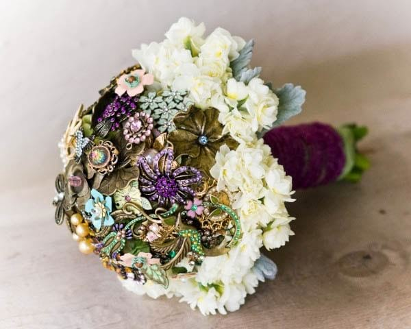 recycler des broches vintages