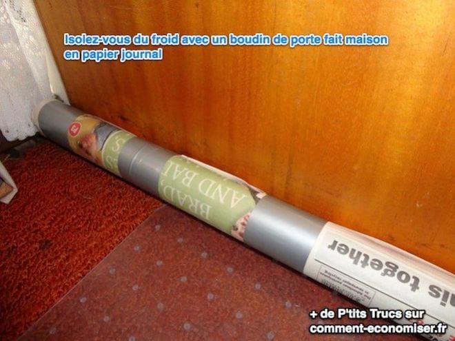 Boudin de porte en papier journal pour s'isoler du froid