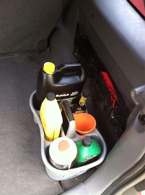 prenez un porte savoon pour ranger les bouteille dans la voiture