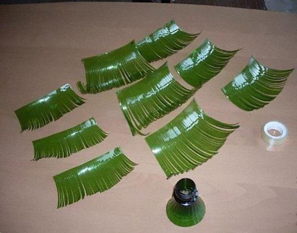 Bouteilles en plastiques coupées