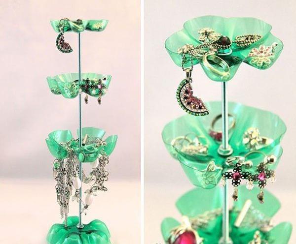 Bouteilles en rangement bijoux
