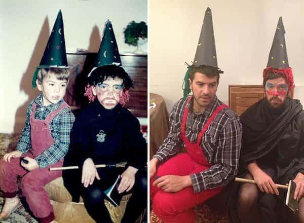 Deux frères en déguisement d'Halloween pour recréer photos enfance pour la fête des Mères
