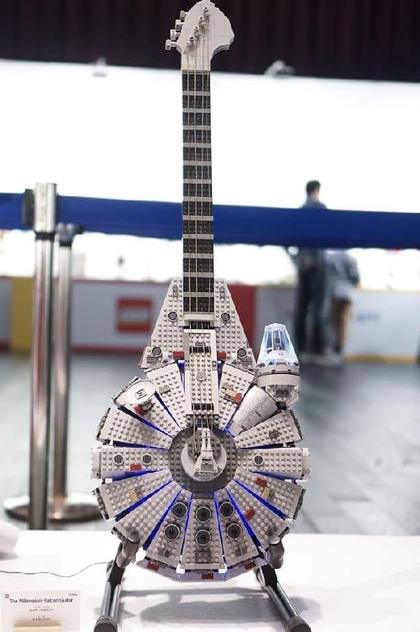 guitare-faite-avec-lego