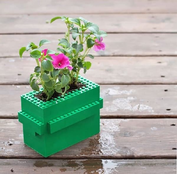 pot-de-fleur-colore-lego