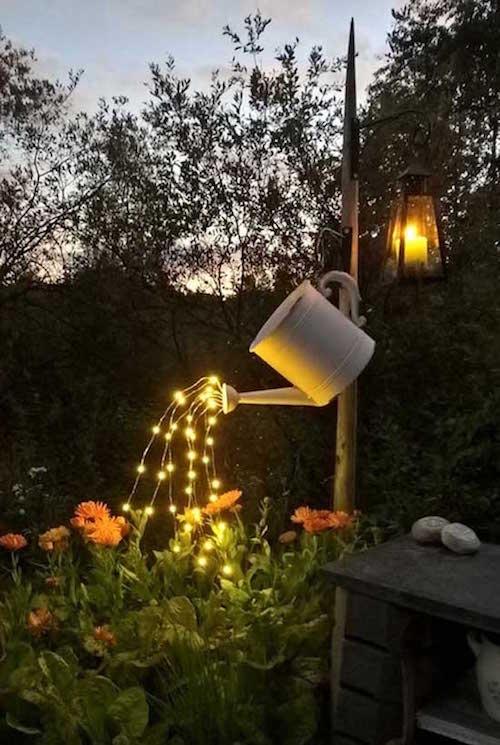 -d-eclairage-exterieur-pour-jardin-pas-cher 29-guirlande-lumineuse-arrosoir
