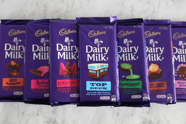 des tablettes de chocolat cadbury