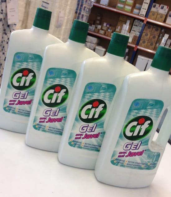 bouteilles de cif gel avec javel