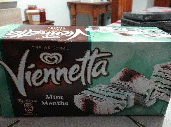 un paquet de glace viennetta menthe chocolat