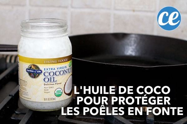 De l'huile de coco devant une poêle en fonte.