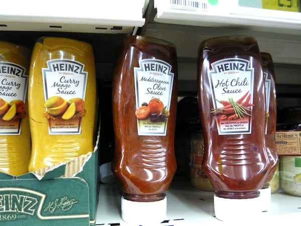 Tubes de sauce Heinz au curry et sauce barbecue
