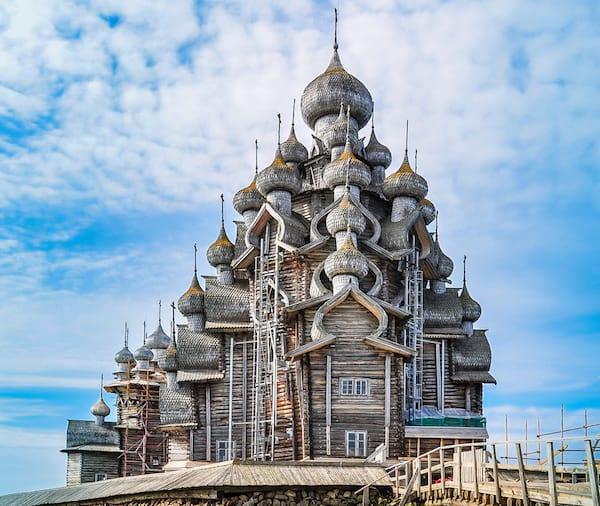 Vue sur l'église de la transfiguration à Kilji en Russie