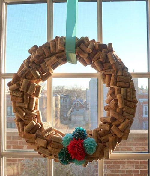 Couronne de Noël fait en bouchons de liège