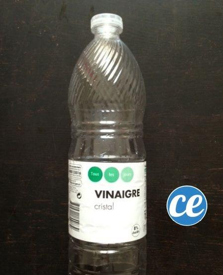 une bouteille en plastique vide pour déboucher les WC