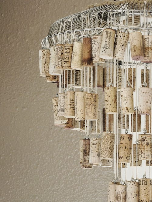 Chandelier pour le plafond fait en bouchon en liège