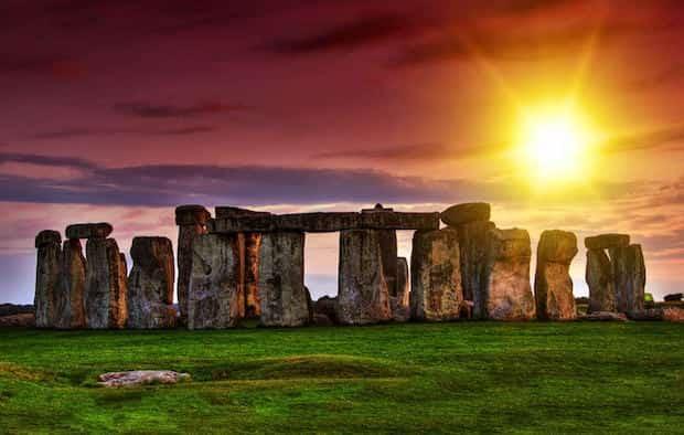 Couché de soleil Stonehenge en Angleterre