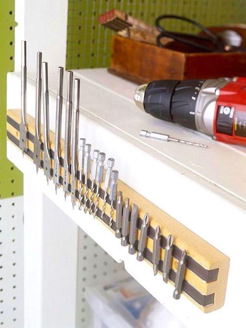 Rangez tous vos outils sur une barre magnétique pour gagner de la place dans votre garage.