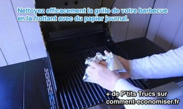 comment nettoyer la grille du barbecue avec du papier journal. Black Bedroom Furniture Sets. Home Design Ideas