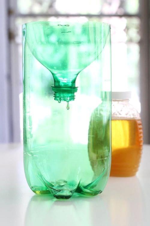 piège pour guêpe avec bouteille en plastique