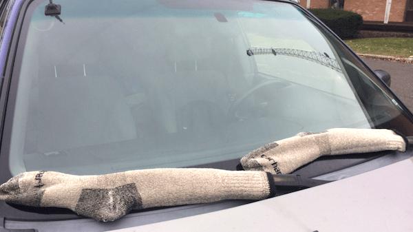 protéger essuie du gel avec chaussette