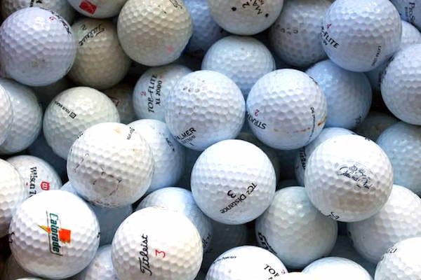 ranger-balle de golf dans chaussette