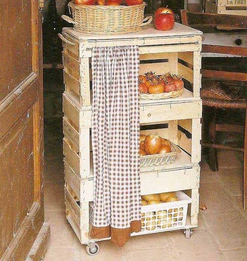 Cette petite dessert pour ranger les fruits et les légumes est faite avec du bois de cagettes