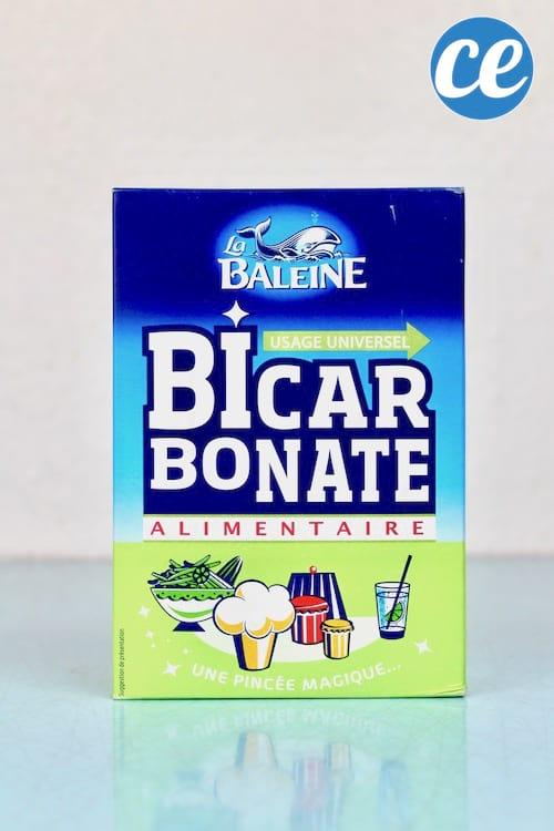 Linge blanc ou de couleur, le bicarbonate peut vous aider à faire votre lessive ! Voici ses 7 utilisations secrètes pour la machine laver. #comment #economiser #bicarbonate #linge