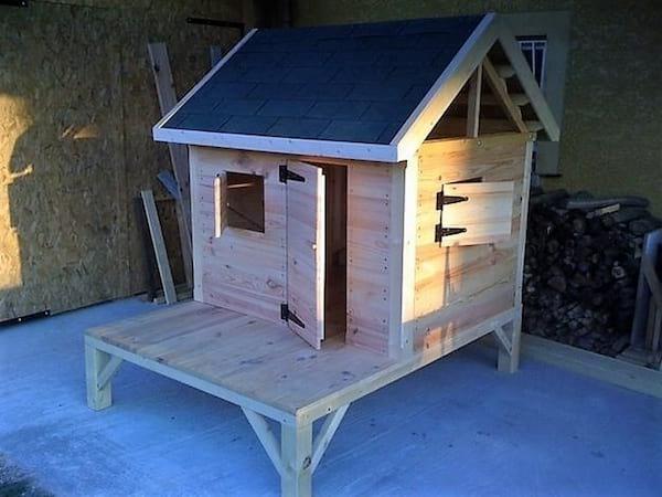 cabane pour les enfants en palette
