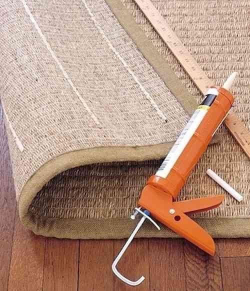 Quelques lignes de mastic sous votre tapis et il ne glissera plus jamais !