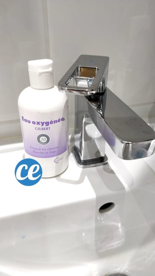 nettoyez salle de bain eau oxygénée