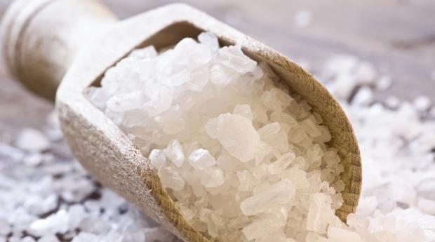 gargarisme au sel pour soigner une angine