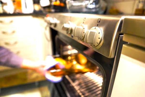 Saviez-vous que les boutons de réglage de votre four ont une utilisation secrète ?