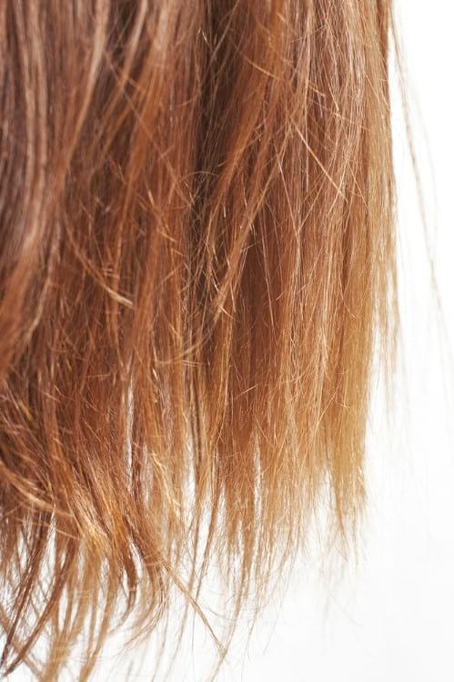 huile de ricin fait pousser les cheveux