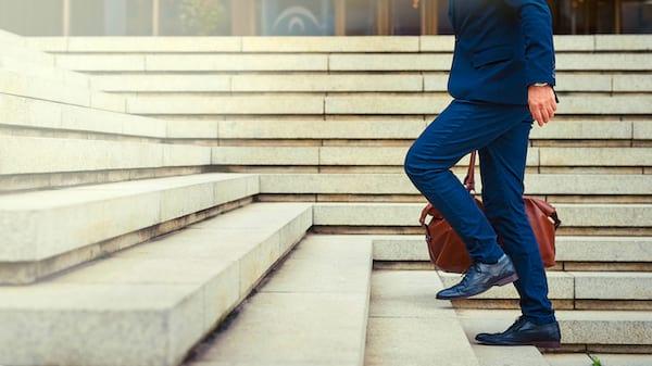 Un conseil FACILE pour améliorer votre santé : marchez à pied le plus souvent possible.