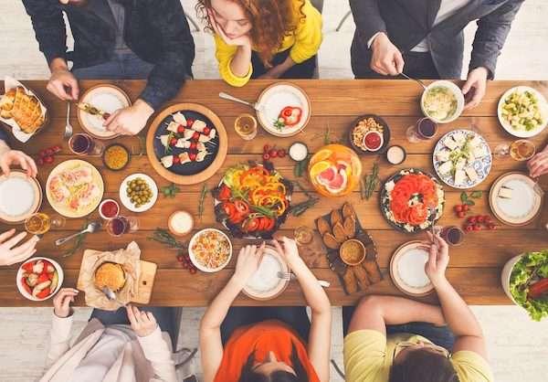 Un conseil FACILE pour améliorer votre santé : mangez lentement.
