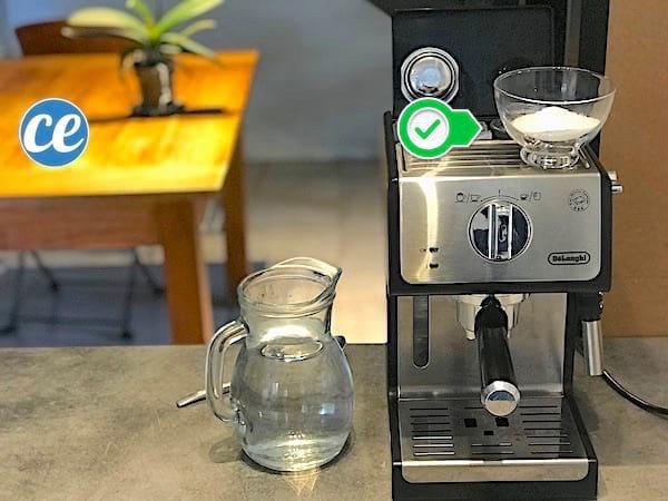 L'acide citrique permet de détartrer la machine à café