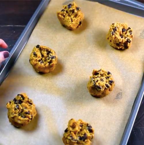 Des cookies ultra-tendres et super-moelleux prêts pour le four :-)