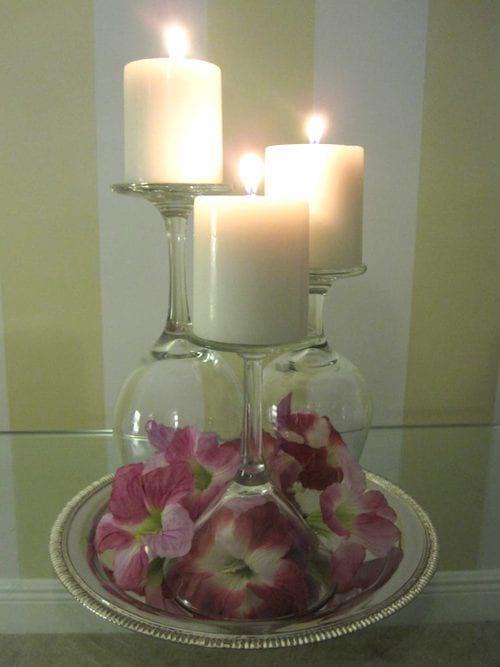poser des bougies sur un verre retrouné