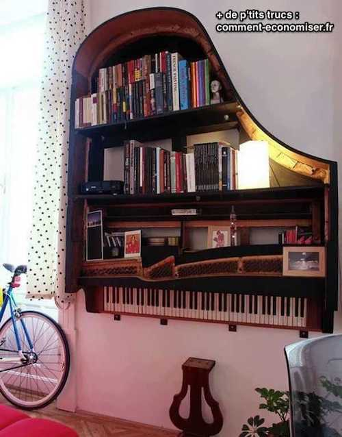Un piano recyclé en étagères