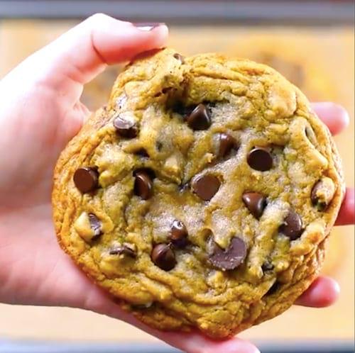 Qui veut un cookie ultra-moelleux aux pépites de chocolat ?